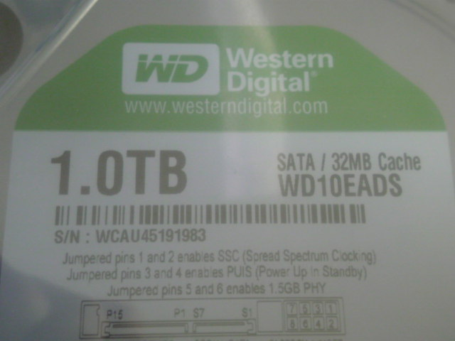 HDD入れ替えちう( ̄ω ̄)